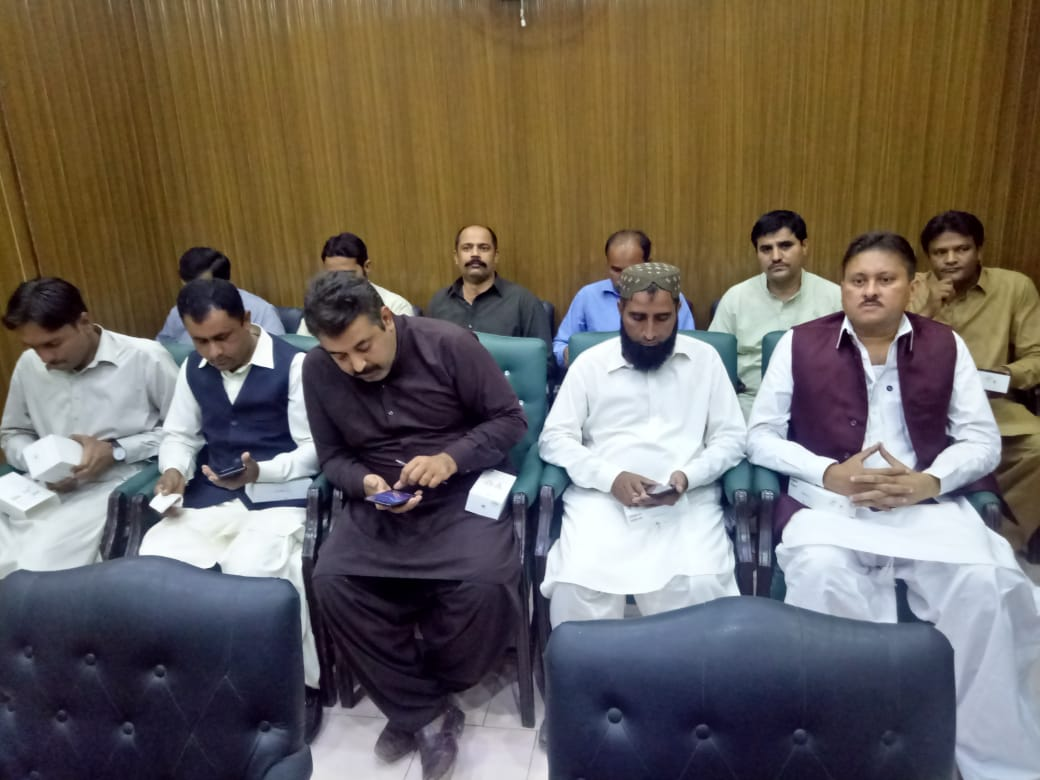 Distribution of Mobile sets Sukkur on 26/11/2018